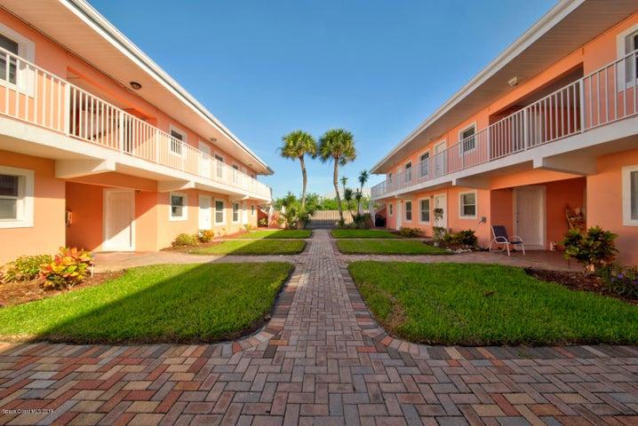 130 Roosevelt Avenue, 203, Satellite Beach, FL 32937