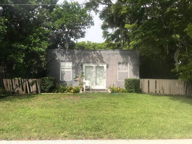 2410 Taylor Street, Mims, FL 32754