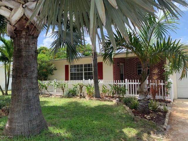 450 Cassia Boulevard, Satellite Beach, FL 32937
