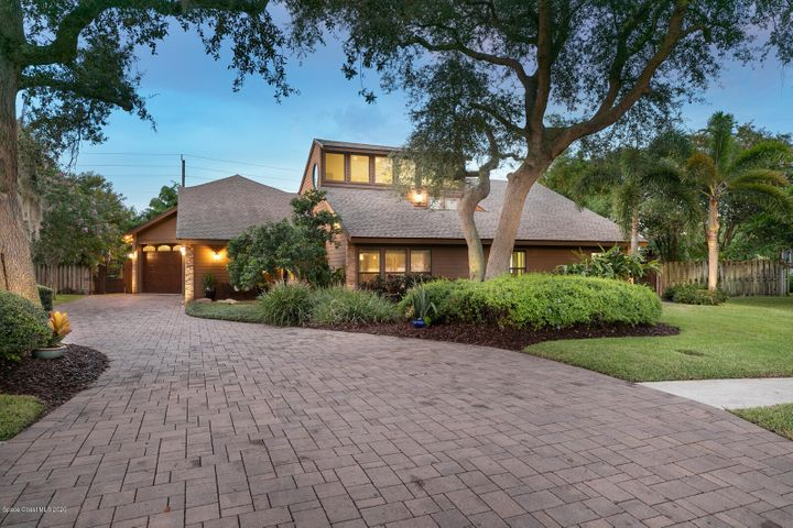 855 Lakewood Circle, Merritt Island, FL 32952