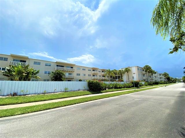221 Columbia Drive, 142, Cape Canaveral, FL 32920