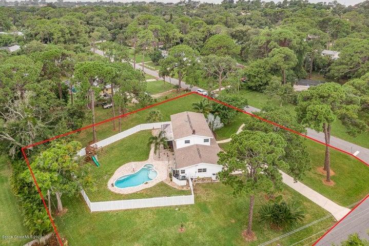 2165 Coconut Lane, Merritt Island, FL 32952
