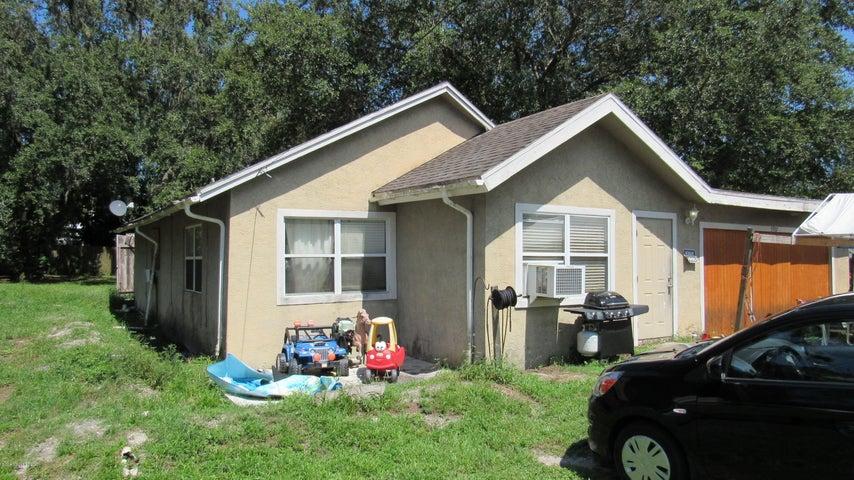 5907 Travis Street, Mims, FL 32754