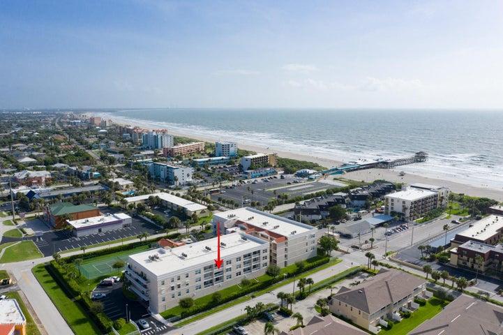 105 Pulsipher Avenue, 302, Cocoa Beach, FL 32931