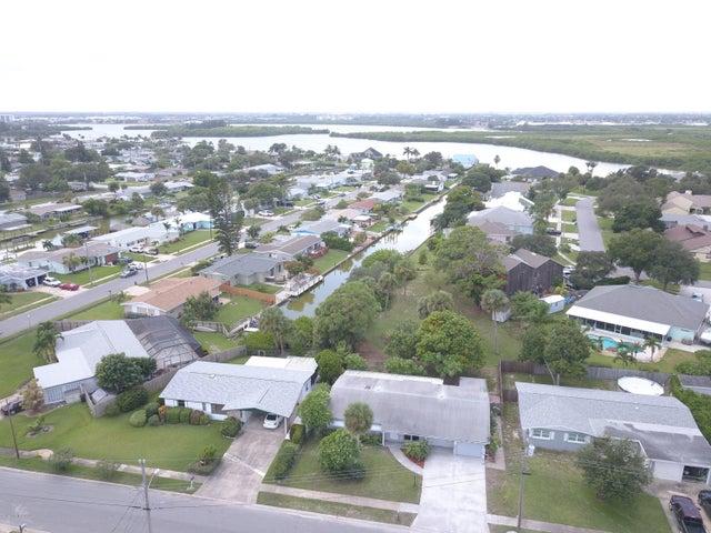 725 Hannah Drive, Merritt Island, FL 32952