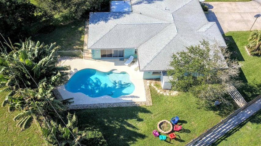 105 W Osceola Lane W, Cocoa Beach, FL 32931