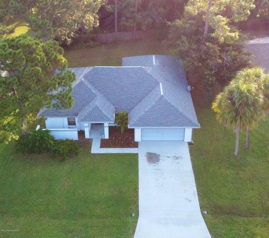 221 Seahorse Circle SE, Palm Bay, FL 32909