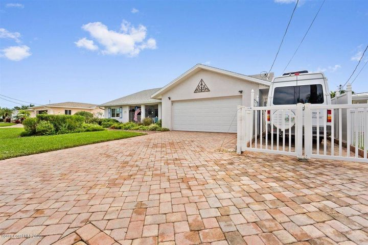 Paved Driveway with Private RV Parking