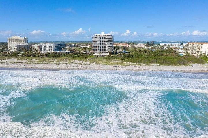 Oceanfront, Resort Living!