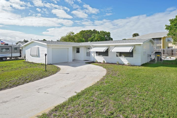 995 Casa Blanca Drive, Merritt Island, FL 32953
