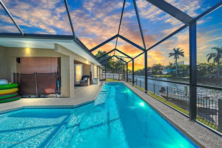 422 Skylark Boulevard, Satellite Beach, FL 32937