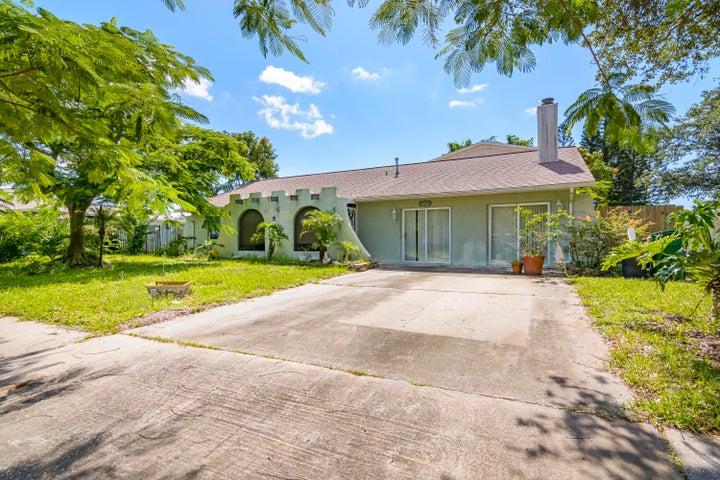 2610 Elm Hurst Street, Merritt Island, FL 32953