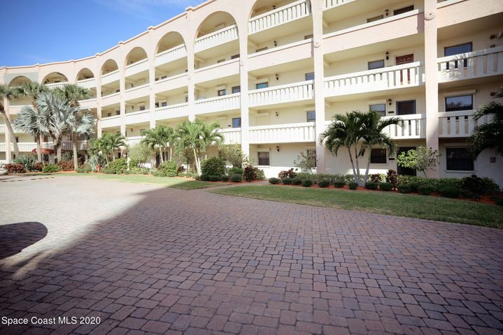 850 N Atlantic Avenue, 204, Cocoa Beach, FL 32931