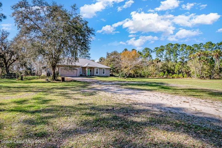 920 Lake Harney Woods Boulevard, Mims, FL 32754
