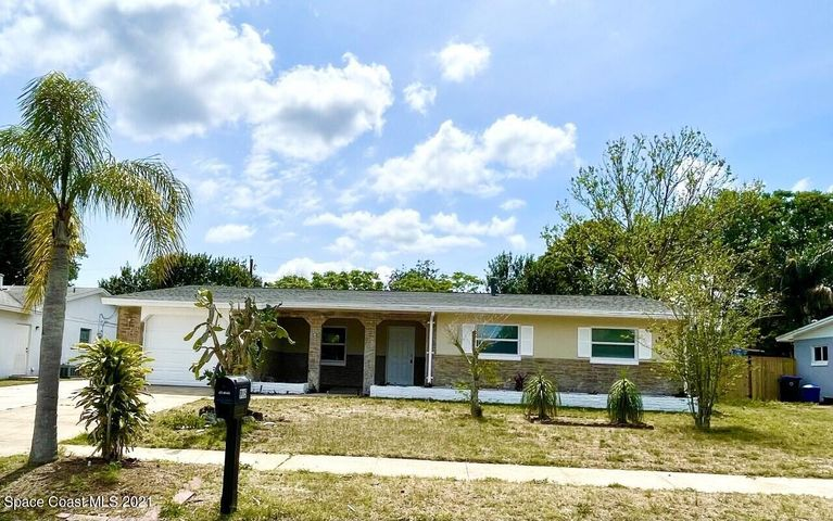 915 Lois Lane, Titusville, FL 32780