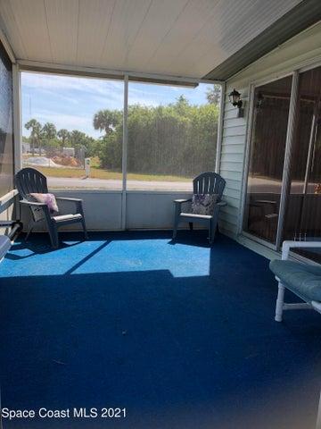 401 Hawk Drive, Sebastian, FL 32976