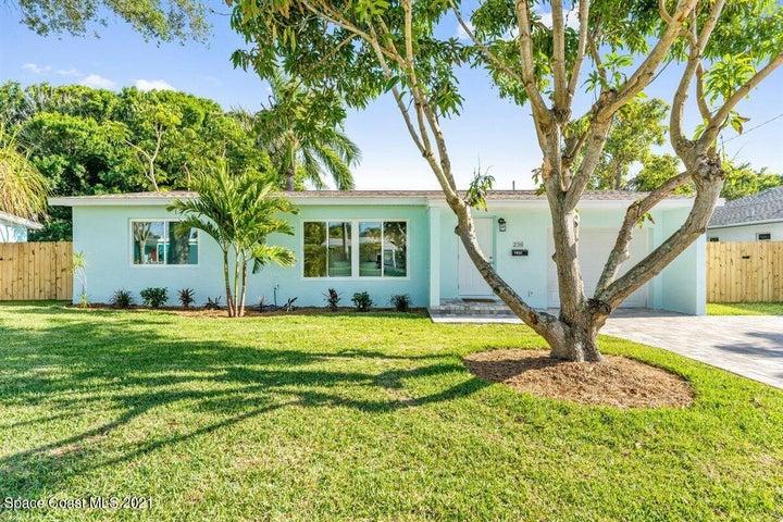 230 NE 2nd Street, Satellite Beach, FL 32937