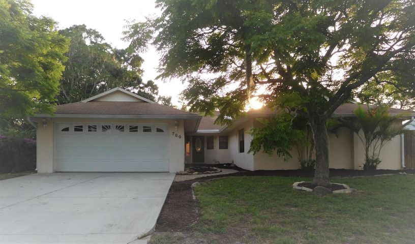 780 Cayuga Avenue NE, Palm Bay, FL 32905