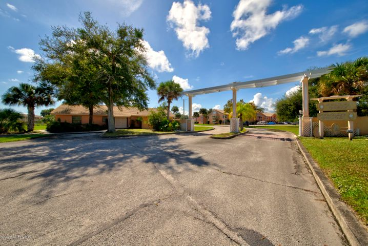 2087 Hidden Grove Lane, 102, Merritt Island, FL 32953
