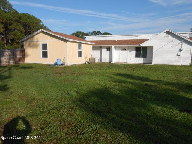 851 Arabia Road SE, Palm Bay, FL 32909