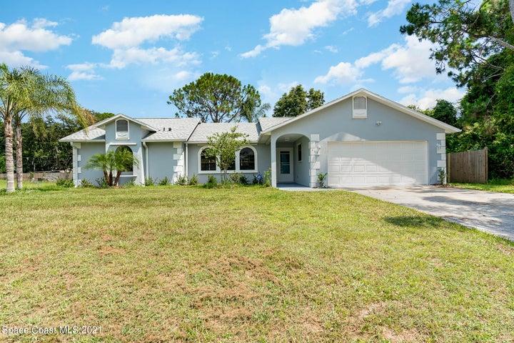 560 Koutnik Road SE, Palm Bay, FL 32909