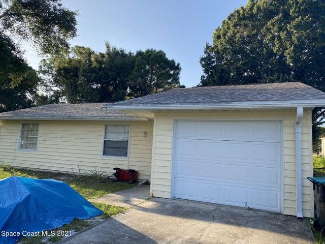 1099 Dunham Street SE, Palm Bay, FL 32909