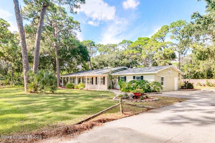 670 Plantation Road, Merritt Island, FL 32952