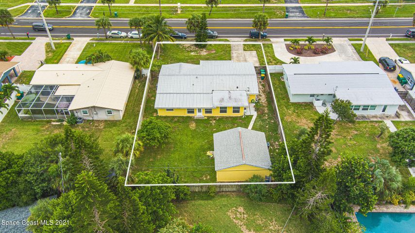 1050 Pinetree Drive, Satellite Beach, FL 32937