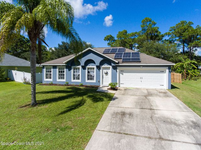829 Raymond Street SE, Palm Bay, FL 32909