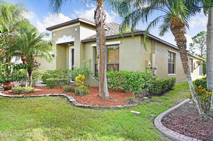 333 Breckenridge Circle SE, Palm Bay, FL 32909