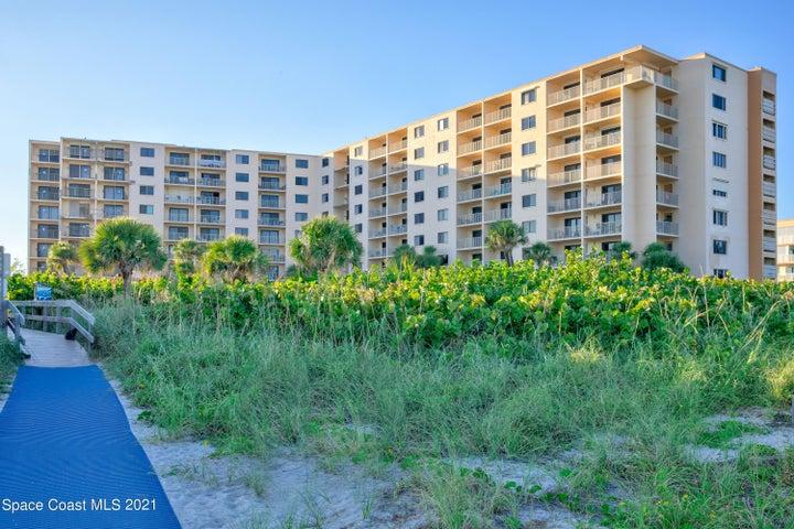 7520 Ridgewood Avenue, 108, Cape Canaveral, FL 32920