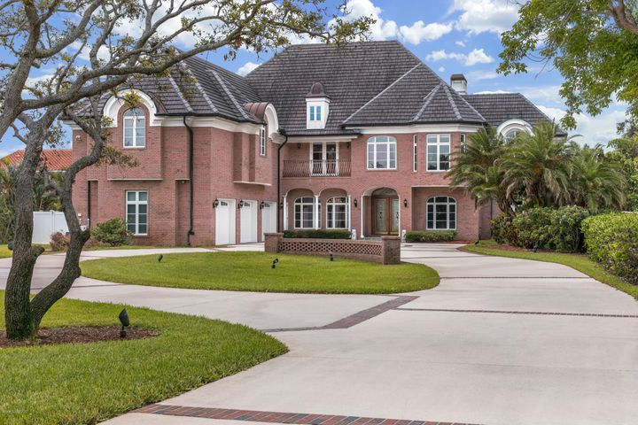 2700 N Riverside Drive, Indialantic, FL 32903