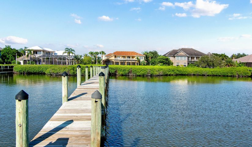 203 Lansing Island Drive, Indian Harbour Beach, FL 32937