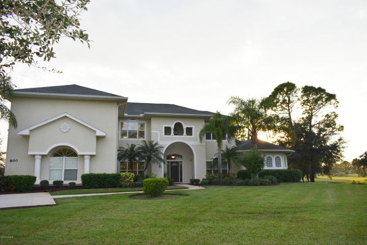 800 SE Yellow Wood Court, Palm Bay, FL 32909