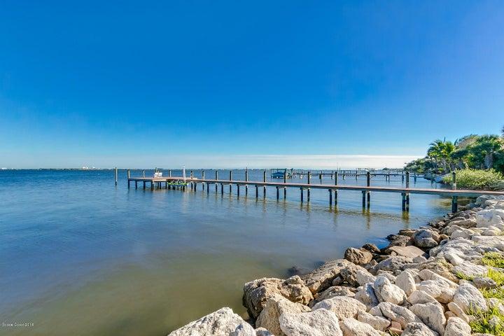 810 S Banana River Drive, Merritt Island, FL 32952