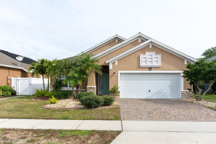 1420 Bridgeport Circle, Rockledge, FL 32955