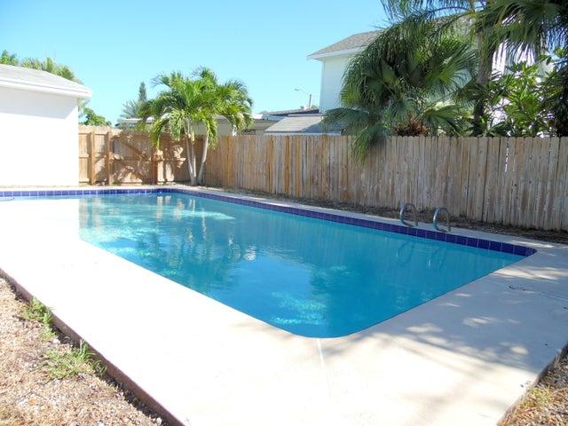 148 E Claridge Street, Satellite Beach, FL 32937