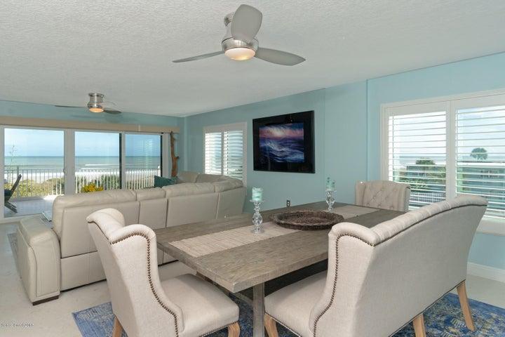 6770 Ridgewood Avenue 305, Cocoa Beach, FL 32931