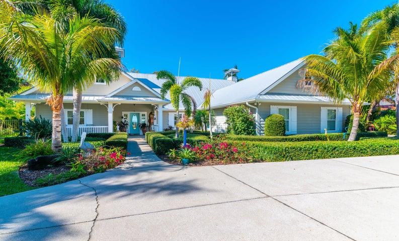 800 S Riverside Drive, Indialantic, FL 32903