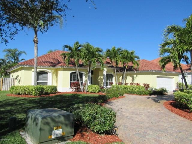 2045 Canterbury Drive, Indialantic, FL 32903
