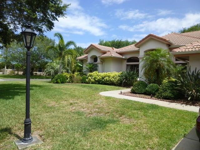 655 Newport Drive, Indialantic, FL 32903