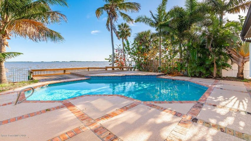 23 Country Club Road, Cocoa Beach, FL 32931