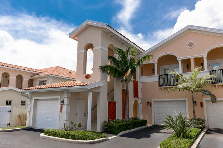 127 Lancha Circle 201, Indian Harbour Beach, FL 32937