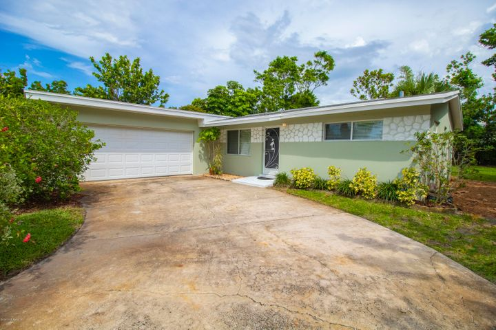 1127 Pinetree Drive, Indian Harbour Beach, FL 32937