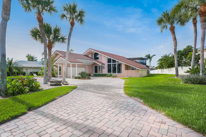 2 Willow Green Drive, Cocoa Beach, FL 32931