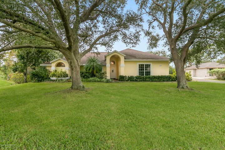 3660 Heartwood Lane, Melbourne, FL 32934