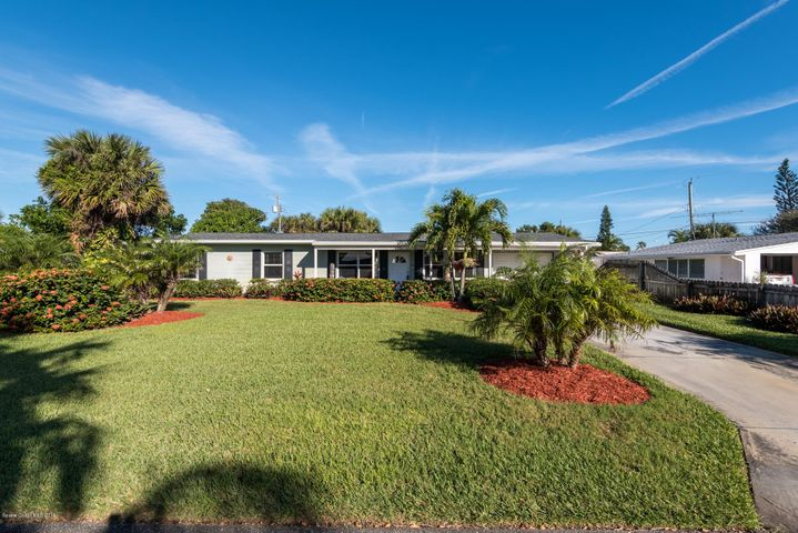 220 Avenida Central, Indialantic, FL 32903
