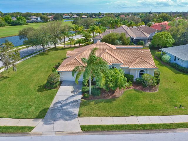 8009 Glastonbury Place, Melbourne, FL 32940