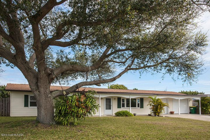 209 Curacau Drive, Cocoa Beach, FL 32931