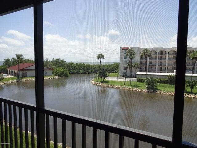 Lake & River view